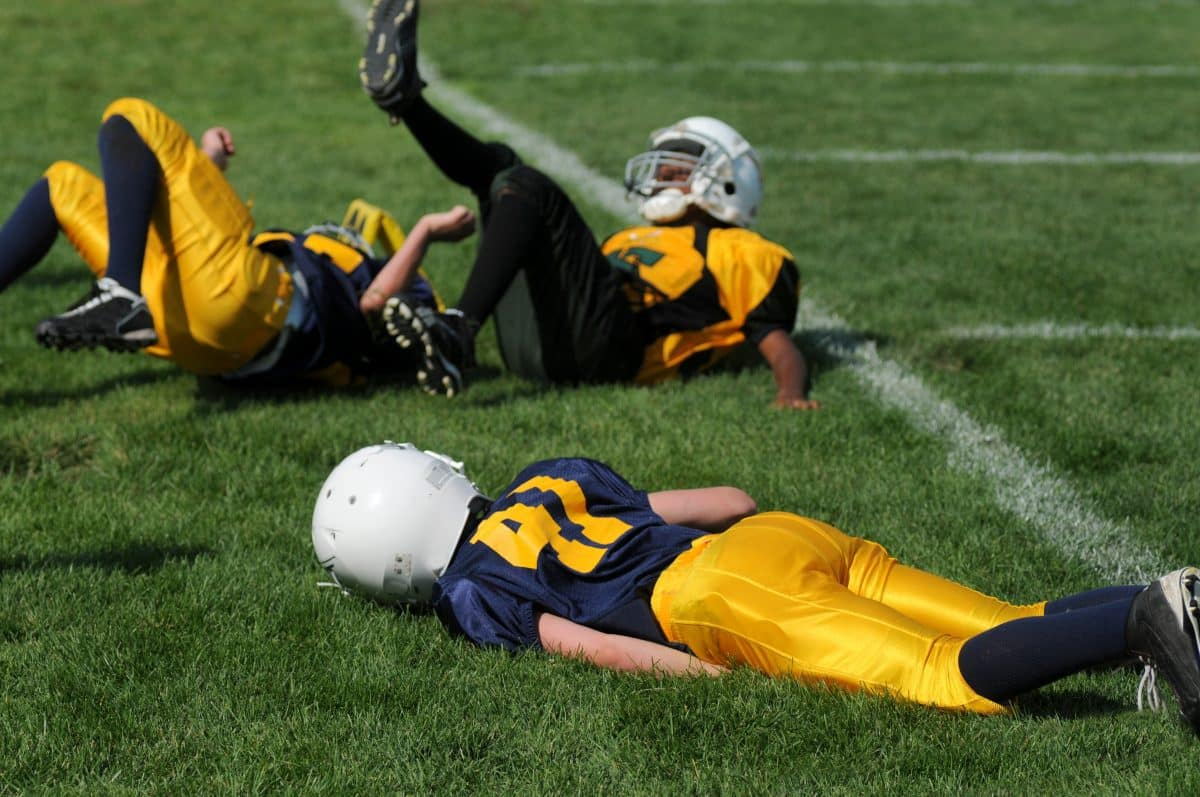high-school-football-player-with-concussion